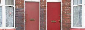 Widerstand gegen Stigmatisierung: Flüchtlinge leben in England hinter roten Türen
