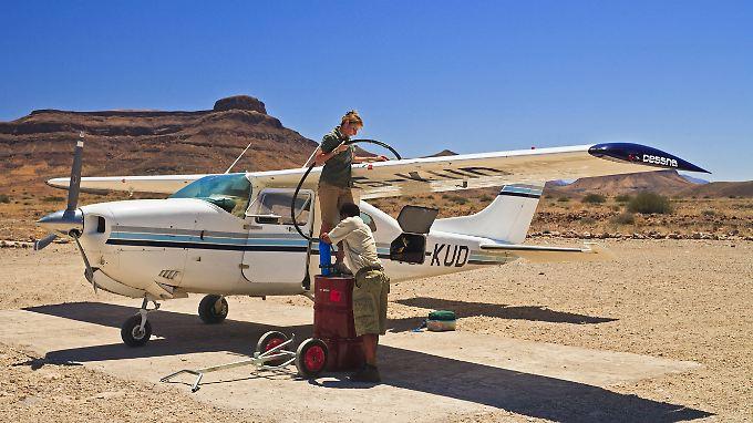 """Ob diese Pilotin beim Zwischenstop in Namibia ihren Treibstoffbedarf """"gehedgt"""" hat, ist nicht bekannt."""