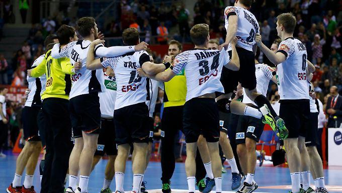 Bad Boys: Das DHB-Team feiert bei der Handball-EM den Finaleinzug.