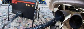 Wer Nachteile durch die Umrüstung von VW befürchtet, kann sein Auto im Abgaslabor des ADAC überprüfen lassen.