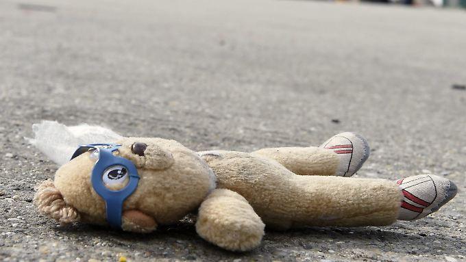 Laut Bundeskriminalamt gibt es in Deutschland 1660 Fälle von vermissten Kindern unter 14 Jahren und 9401 vermisste Jugendliche im Alter zwischen 14 und 17 Jahren.