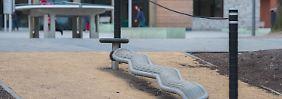 Der Täter hatte das Mädchen auf einem Spielplatz vor ihrer Schule angesprochen.