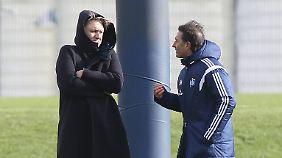 Dietmar Beiersdorfer und HSV-Coach Bruno Labbadia haben immer neue Brandherde zu löschen.