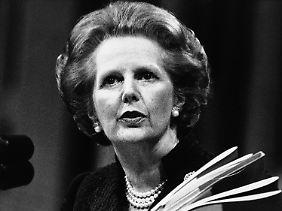 """Sie fuhr einen eisernen Sparkurs und zog damit als """"Eiserne Lady"""" in die Geschichtsbücher ein (Archivbild vom 22. Mai 1985)."""