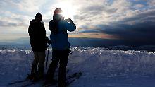 Diese Skifahrer auf dem Hermon können ins syrische Kriegsgebiet blicken.