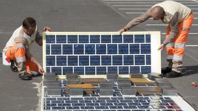 Frankreich plant eine Straße aus Solarpanels.