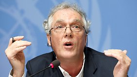 Christophe Peschoux, Sekretär der WGAD-Gruppe, informiert über das Ergebnis des Gutachtens.