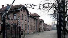 Das Eingangstor zum ehemaligen Konzentrationslager Auschwitz-Birkenau: Hier wurden mehr als eine Million Menschen ermordet.