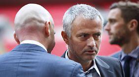 Laut BBC soll José Mourinho die Verhandlungen mit Man United aufgenommen haben.