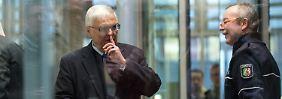Etwaiger Schadenersatz in WM-Affäre: Zwanziger tönt und stichelt Richtung DFB