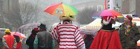 Sturmrisiko zum Narrenauftakt: Orkantief bläst Karnevalisten um die Ohren