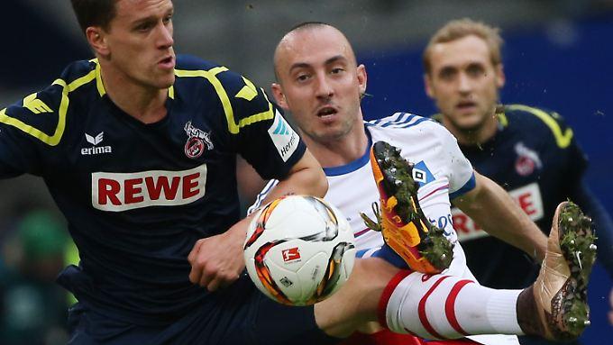 """Schön war es nicht, was Hamburger und Kölner den Zuschauern unter dem Label """"Fußball"""" anboten."""