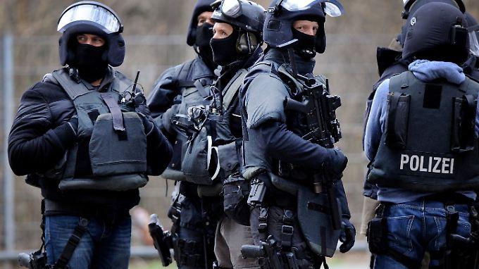 Ein Spezialeinsatzkommando (SEK) der Polizei.