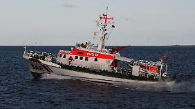 """Der Seenotkreuzer """"Bremen"""" war zusammen mit anderen Schiffen an der groß angelegte Suchaktion nach dem Fischkutter """"Condor"""" beteiligt."""