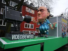 Kaum hat die Fifa einen neuen Präsidenten, gibt es den Videobeweis im Fußball.