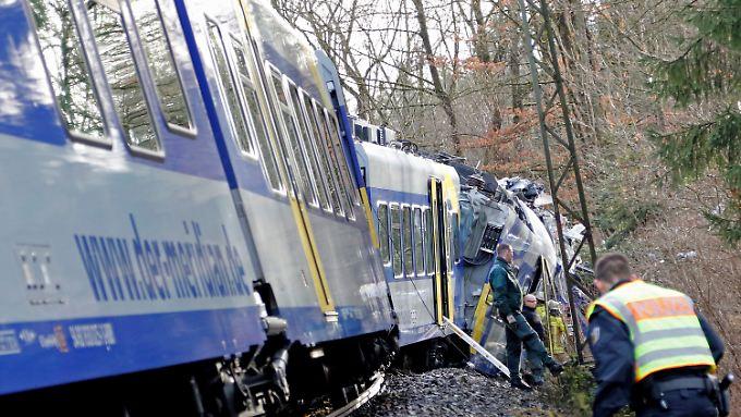 Zwei Züge stoßen frontal zusammen: Tote und Verletzte bei Zugkollision in Bad Aibling