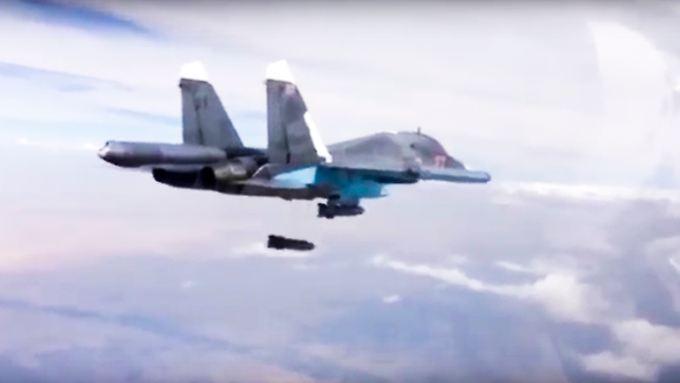Ungelenkte Freifallbomben über bewohntem Gebiet: Die Luftschläge zur Unterstützung der Aleppo-Offensive nimmt zivile Opfer zumindest in Kauf.