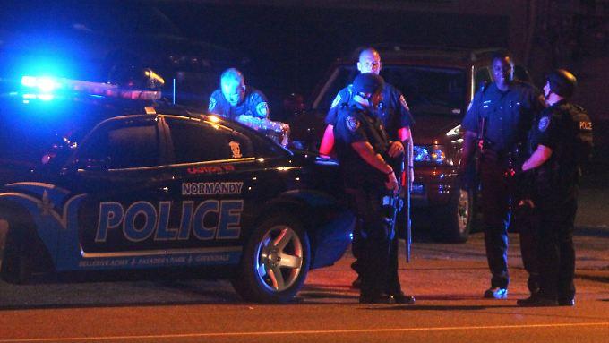 Fergusons Polizei wird vorgeworfen, unverhältnismäßig oft Afroamerikaner ohne Rechtfertigung festzunehmen.