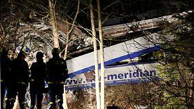 Ermittlungen nach Zugunglück: Polizei vernimmt Fahrdienstleiter