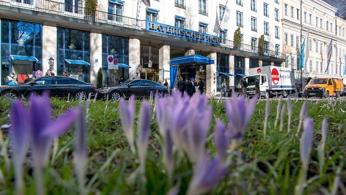 """Die Münchner Sicherheitskonferenz findet traditionell im Hotel """"Bayerischer Hof"""" statt."""