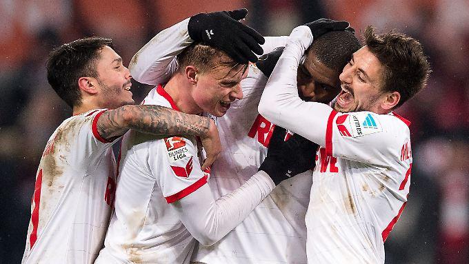 Drei Tore, drei Punkte - und jetzt eine Geburtstagsfete für den 1. FC Köln.