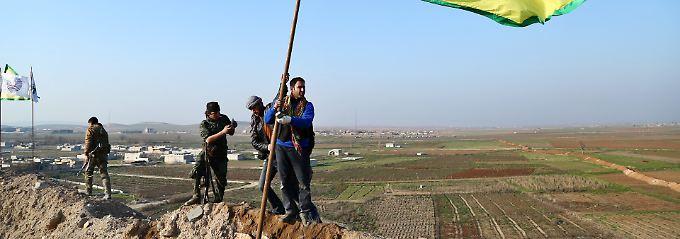 Kämpfer der kurdischen YPG im Januar 2015 bei Kobane.