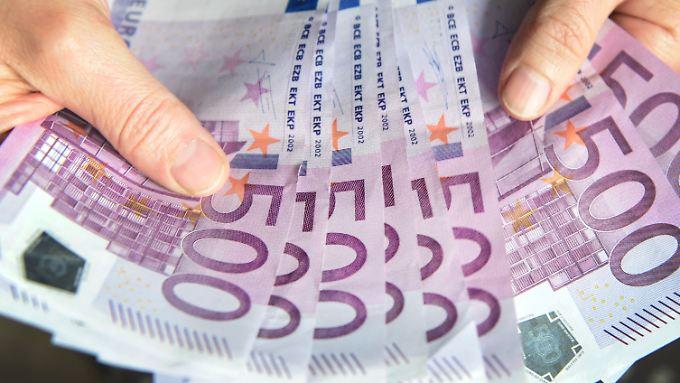 Die Täter betreiben mit ihrem Betrug zur Terrorfinanzierung Geldwäsche.