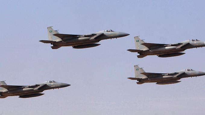 Saudische Jets beim Formationsflug 2013.