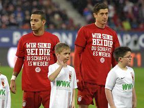Nicht auf dem Rasen dabei und trotzdem mittendrin: der erneut schwer verletzte Bayer Holger Badstuber.