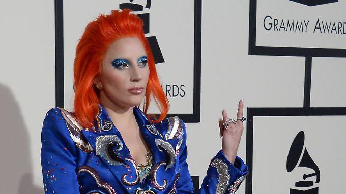 Lady Gaga macht den Bowie: Taylor Swift und Ed Sheeran sind Abräumer der Grammys