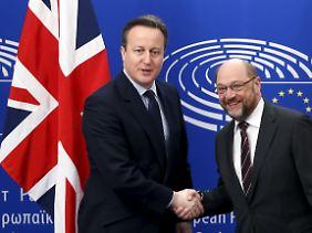 Eilige Diplomatie zwei Tage vor dem EU-Gipfel: David Cameron und Martin Schulz.
