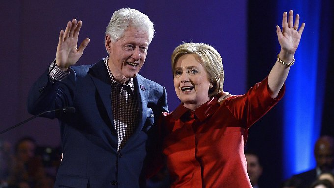 Feiern sich selbst: Bill und Hillary Clinton