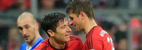 """""""Wir haben gezeigt, dass wir einen guten Spirit haben"""": Thomas Müller, hier mit seinem Kollegen Robert Lewandoaski."""
