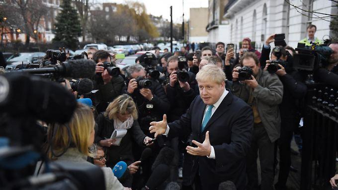 Viele Kameras für den Bürgermeister - da er sehr populär ist, hat Johnsons Stimme auch außerhalb Londons Gewicht.