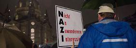 Bis zu 3000 Menschen sind zur jüngsten Pegida-Kundgebung nach Dresden gekommen.