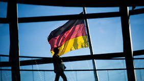 Konjunkturmotor Niedrigzinsen: Deutschland erzielt Rekordüberschuss