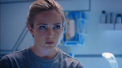 Emily musste Theo verlassen, sonst wäre sie aus der Crew geflogen. Aber das weiß zu Beginn der Mission noch keiner.