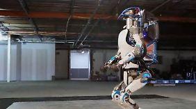 """Menschelnder Roboter: Boston Dynamics geht mit """"Atlas"""" neue Wege"""