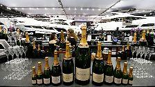 """... Champagnerpartys auf einer Yacht? Das """"Forbes""""-Magazine hat die Liste der reichsten Menschen 2016 herausgegeben."""