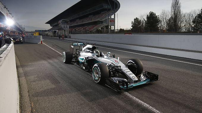 Im Gegensatz zu den anderen Teams legen Nico Rosberg und Mercedes die Karten bei den Tests in Barcelona offenbar noch nicht auf den Tisch.