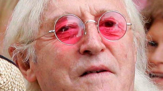 """Jimmy Savile moderierte """"Top of the Pops"""" - und starb unbestraft."""