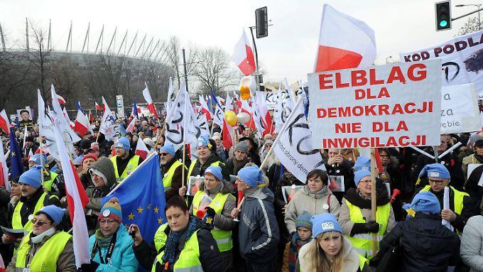 Protest in Warschau gegen Polens nationalkonservative Regierung.