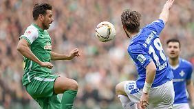 """Der """"alte Mann"""" kann's immer noch: Claudio Pizarro rettet Bremen das Remis."""