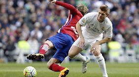 Toni Kroos und Real Madrid haben das Stadtderby gegen Atletico verloren.