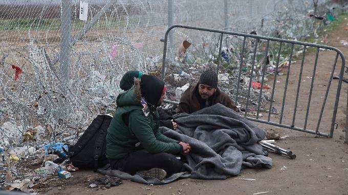 Bald 200.000 Flüchtlinge: Griechenland fürchtet drohende Eskalation