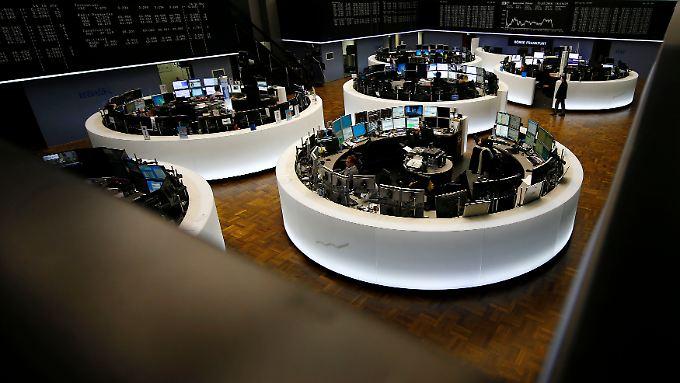Kaum etwas übrig ist am Ende des Handelstages von den zwischenzeitlich deutlichen Aufschlägen beim Dax.