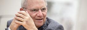 Überschuss in Milliardenhöhe: Schäubles Polster ist wohl größer als gedacht
