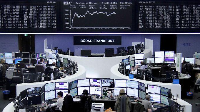 Der Dax am Dienstag: Der Börsenmonat Märt startet mit satten Kursgewinnen.