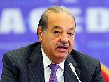 Telekom-Chef Carlos Slim (76) musste Verluste einstecken. Sein Vermögen schrumpfte im Vergleich zum Vorjahr von 77,1 auf 50 Milliarden. Damit landet er 2016 auf Rang vier der Liste der reichsten Menschen der Welt, doch in seiner Heimat Mexiko ist er immer noch der reichste Mann.