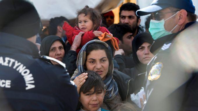 Die Verzweiflung wächst: Flüchtlinge in Griechenland.